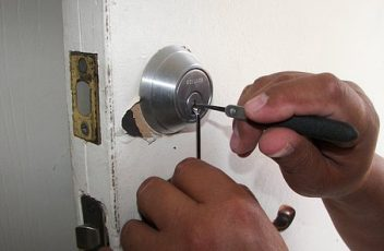 What Is A Mobile Locksmith? image
